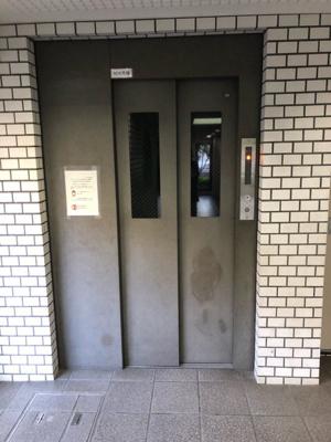 上階移動も楽々なエレベーターがございます。