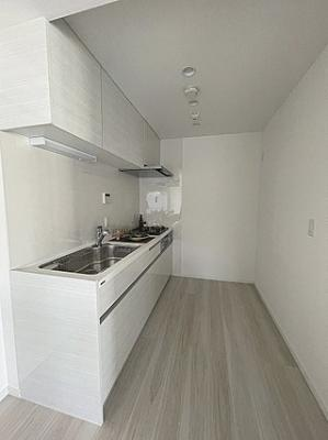 収納もたっぷり付いた使いやすいキッチンです。