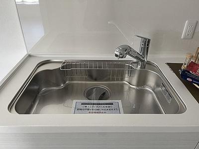 洗い物もしやすいゆったりシンク付きです。