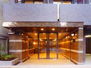 ルーブル高円寺弐番館の外観