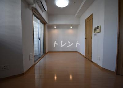 【居間・リビング】コンフォリア愛宕