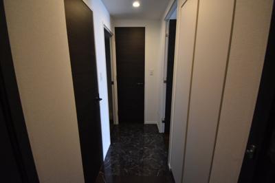 【玄関】日当りよく住み心地よい2BED レジディア白金高輪Ⅱ