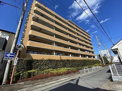 JR高崎線「上尾」駅が徒歩約7分と便利な立地。
