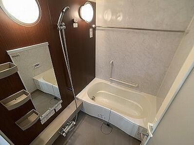 一日の疲れが癒やされるバスルームです。