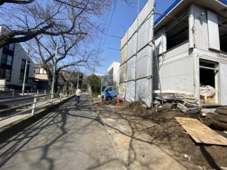 ◇Land◇対象地は左側。現在建物解体中!現地・同仕様建物のご案内、建物プレゼンテーションは随時承ります♪【2021年3月撮影】