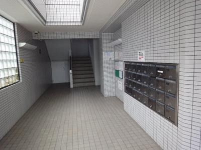 【エントランス】ジョイフル東野