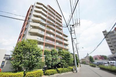 埼玉高速鉄道「川口元郷」駅より徒歩約8分の便利な立地です。