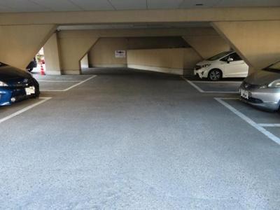 駐車場です。空き状況はお問い合わせください。