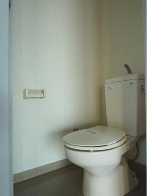【トイレ】十日市場駅徒歩3分 2階部分事務所