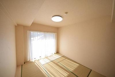 約6畳の和室!押入収納大きく便利です!
