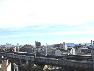 淡路島や明石海峡大橋が望めます。