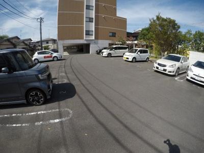 【駐車場】アップウェル中央