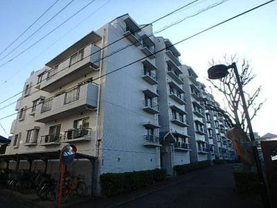 東急ドエルアルス武蔵浦和、5階建ての4階部分のお部屋になります。