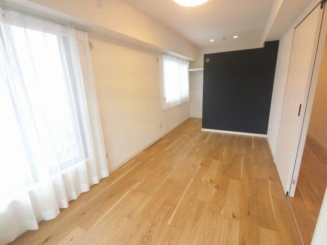 7.0帖の洋室は主寝室にいかがでしょうか。