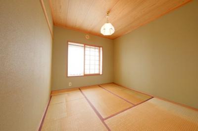 ≪廊下側収納≫掃除機や備品・消耗品の収納に便利です。