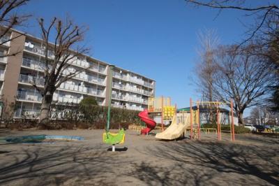 ≪敷地内公園≫小さなお子様も安心して遊べます。