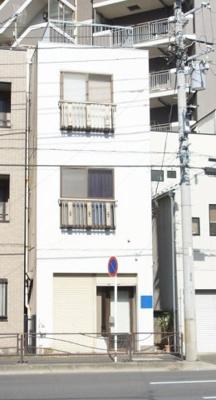 川崎駅徒歩8分のマンションです。