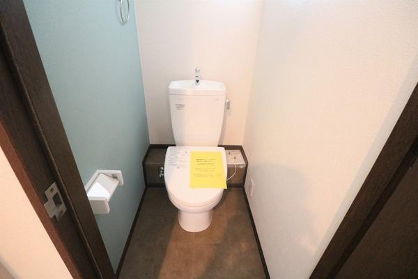 1階トイレです♪
