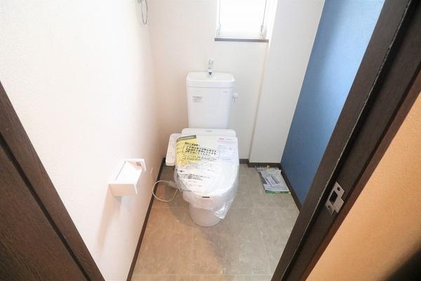 2階トイレです♪