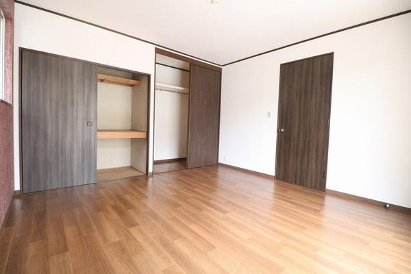 収納豊富なお家です♪ 各居室にも収納スペースあります♪