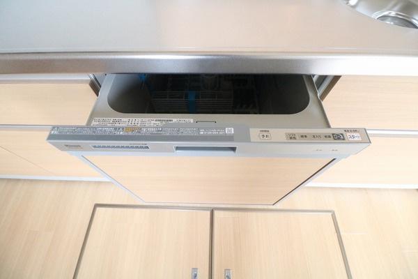 環境とママの手に優しい食器乾燥機つきです♪