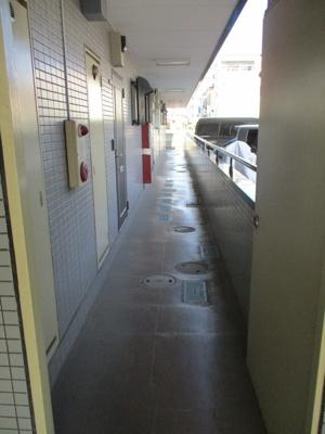 1階共用廊下