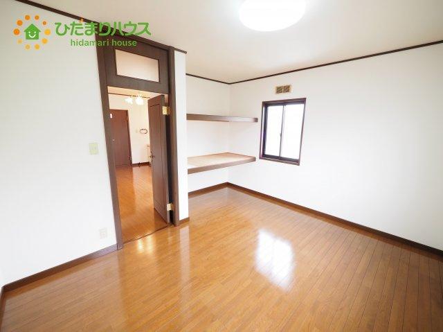 2階に4部屋あるので、パパの書斎やママの趣味の部屋も実現可能です(^O^)