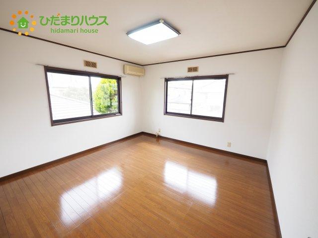 ベッドに勉強机にちょっとした家具を置けば、、、、子供部屋の完成です(^O^)