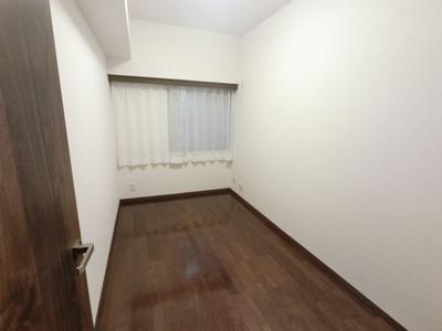4.1帖の洋室です。 子供部屋やワークスペースとしても活用できます。