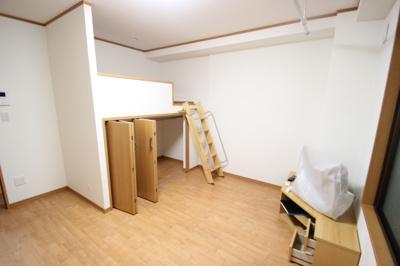 鈴木マンション(家具付き)