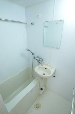 落ち着いた空間のお風呂です※別仕様の為参照になります