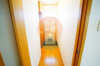 廊下と玄関