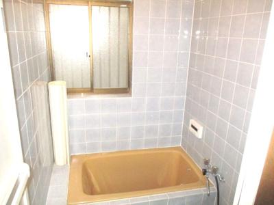 タイル張りのお風呂。