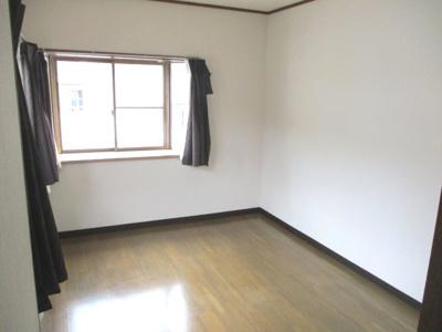 2階には4部屋ございます。