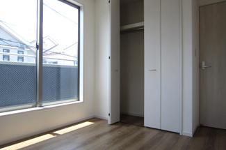 南東側のお部屋 各居室収納付き