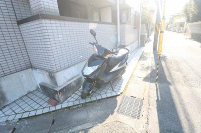 【駐車場】シャルマンフジ京都東壱番館