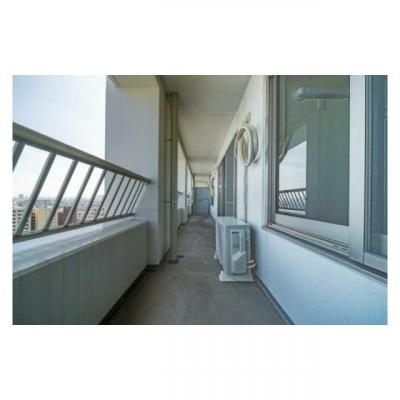 全居室がバルコニーに面した開放的な間取りです。