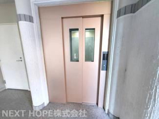 エレベーターで重たい荷物も楽々移動できますね(^^)