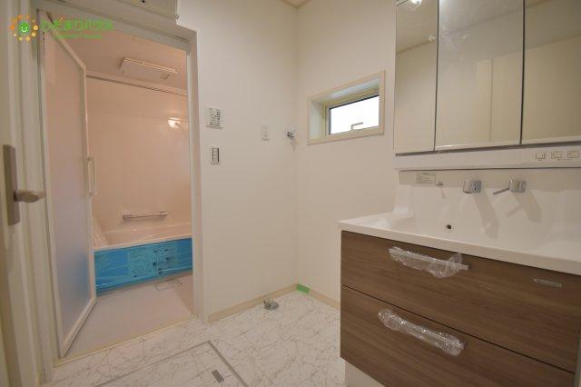 床下収納つきの洗面所!!