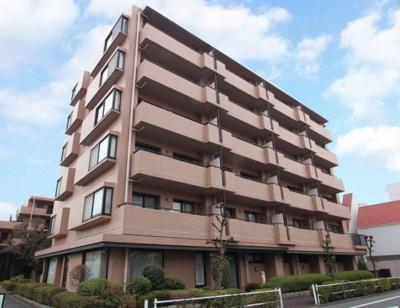 都営三田線「志村坂上」駅徒歩約8分、都内へのアクセス良好。