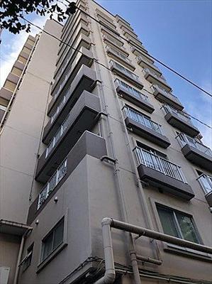 都営三田線「板橋本町」駅徒歩約3分、通勤通学に便利な立地。