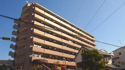 ライオンズマンション川口青木 9階建ての2階部分です。