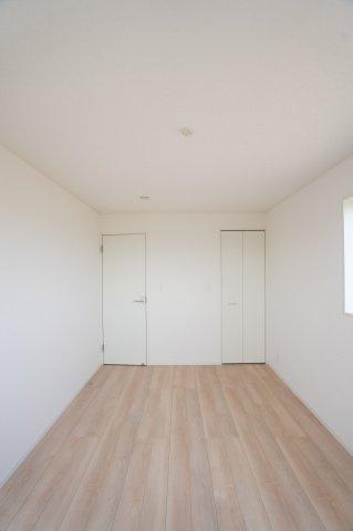 埋め込み式のWICでお部屋がすっきりとしています。