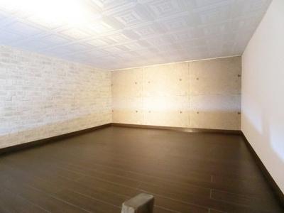 ロフトからの景観です!開放感のある洋室6帖のお部屋です☆
