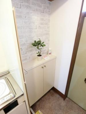 玄関から室内への景観です!キッチンの奥に洋室6帖のお部屋があります♪