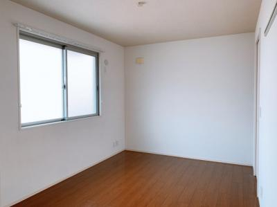 コンパクトで使いやすい洋室です ※同型タイプ 【COCO SMILE ココスマイル】