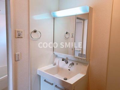 ゆったりとスペースのある洗面所 ※同型タイプ 【COCO SMILE ココスマイル】