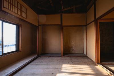 吉田中大路町 中古テラスハウス【地下室あり】