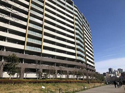 総戸数868戸のビッグコミュニティマンション。