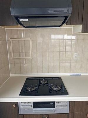 機能的で使いやすいシステムキッチンで、お料理を楽しめます。